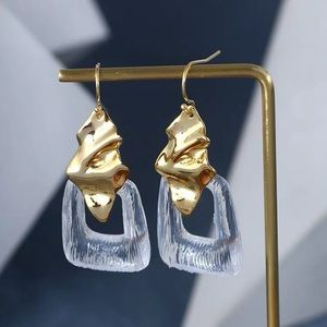 NWOT Alexis Bitter Resin Gold Wave Metal Earrings